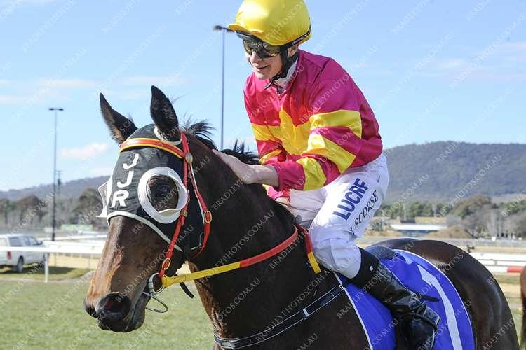 Darts Away gives Scorse first winner for JJR