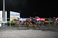 Lucky Deluchi leads from start to finsh