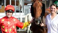 Tiger earns stripes in Sires' blowout