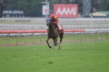 Flying Jet ploughs through heavy ground for Eagle Farm victory