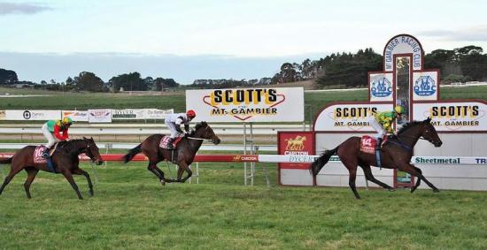 Iceconi Wins At Mount Gambier