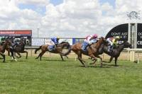 FLYING KYLE WINS WANGARATTA R62 1600m