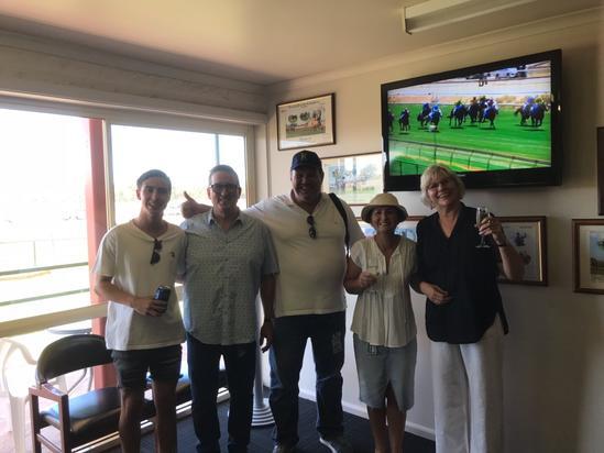 Photo Winning Owners Benalla 20 Jan 2019.jpg