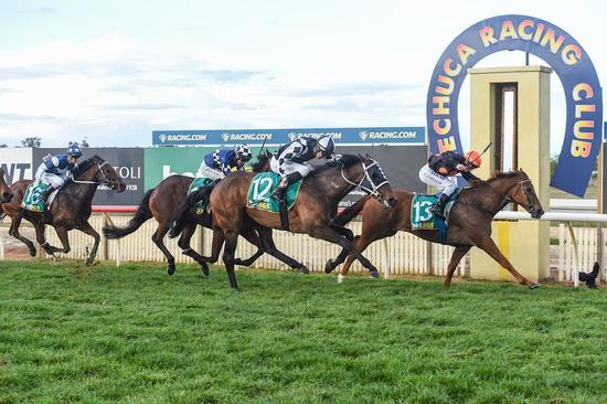 Spalding Breaks Victorian Drought