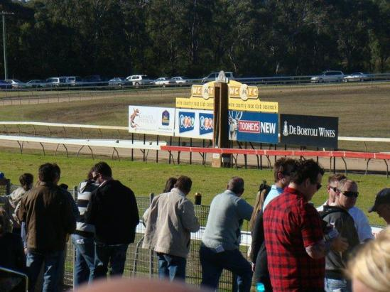 Stable Accept With Two Runners At Cessnock