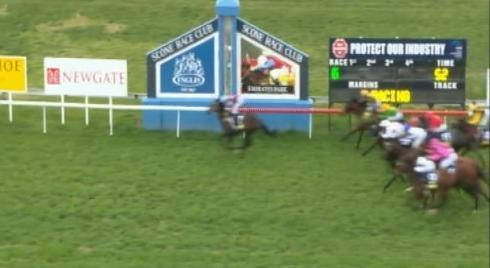 Bend It Like Benny Runs A Nice 2nd At Scone