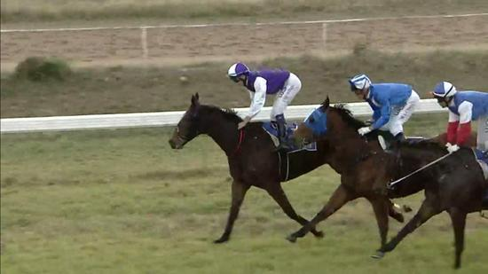 Kanguru Takes Out The Coonamble Cannonball
