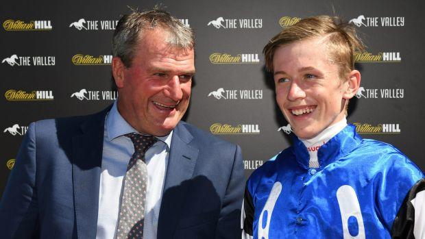 Big Duke sparkles for Weir's fourth win