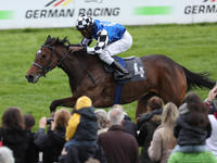 DELECTATION THRILLED THE COLOGNE GALLOP FOR THE CLASSICS