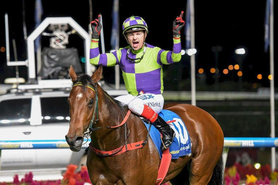 Star Wins Sunline Stakes