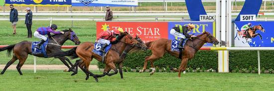 Haggarty overcomes barrier antics to win maiden