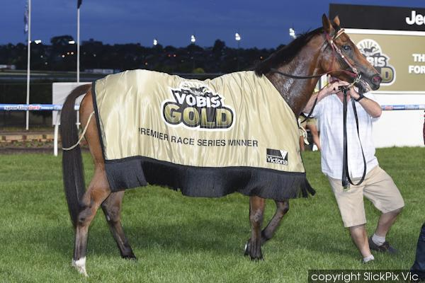 Fast Cash cruises to victory at the Valley