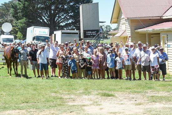 Blunakka wins at Burrumbeet for the Locals