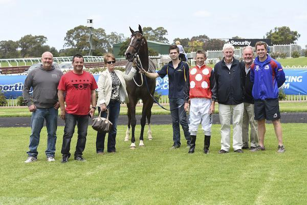 ANDRASSY TOO GOOD AT SANDOWN