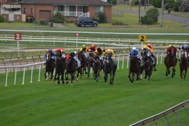 Port Macquarie Racing On Monday