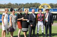 Wingrove galloper sparkles in Golden Bracelet