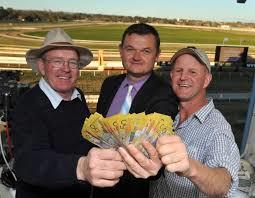 Chris Heywood and Wayne Carroll among the winners at Wagga
