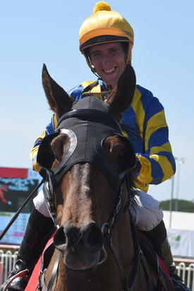 ARCTIC SONG WINS ON DAY 4 OF THE CARNIVAL