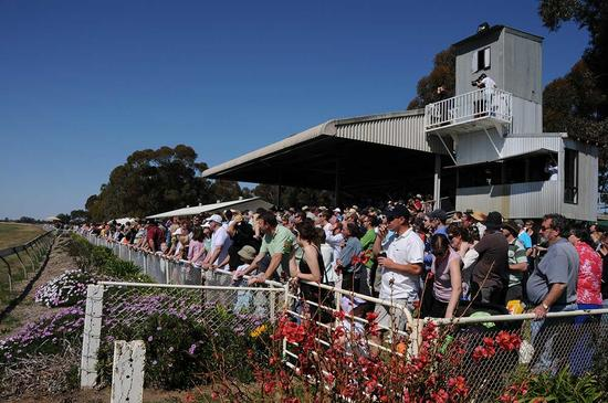 The Widdison Yard To Support Jerilderie & District Racing Club On Saturday