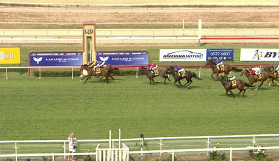 Cash Crisis Arrives In Third At Wagga