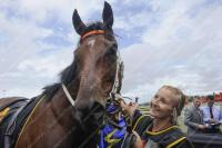 Le Romain Presses On To Guineas