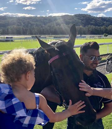 Oxford Angel Scores Exciting 2nd last to First win at Gosford on Saturday!