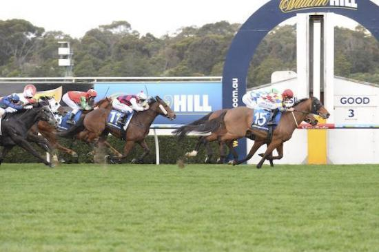 Calibrate surges at Sandown for barnstorming win