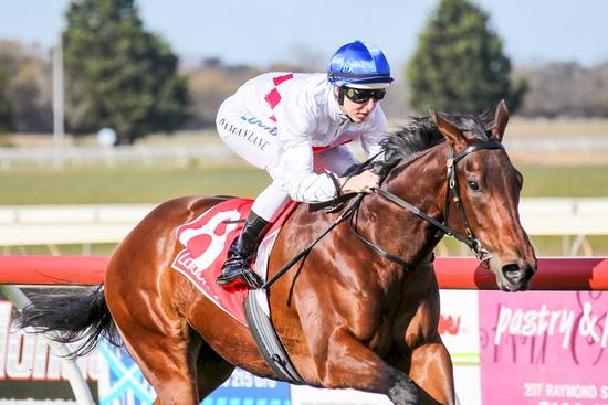 Experience propels Propelle to Sale victory