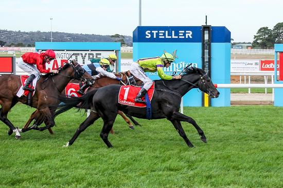 Durable Candescence scores again at Mornington